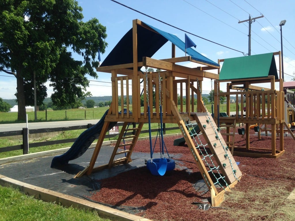 Wood swing set for sale 2014-06-26 13.43.14